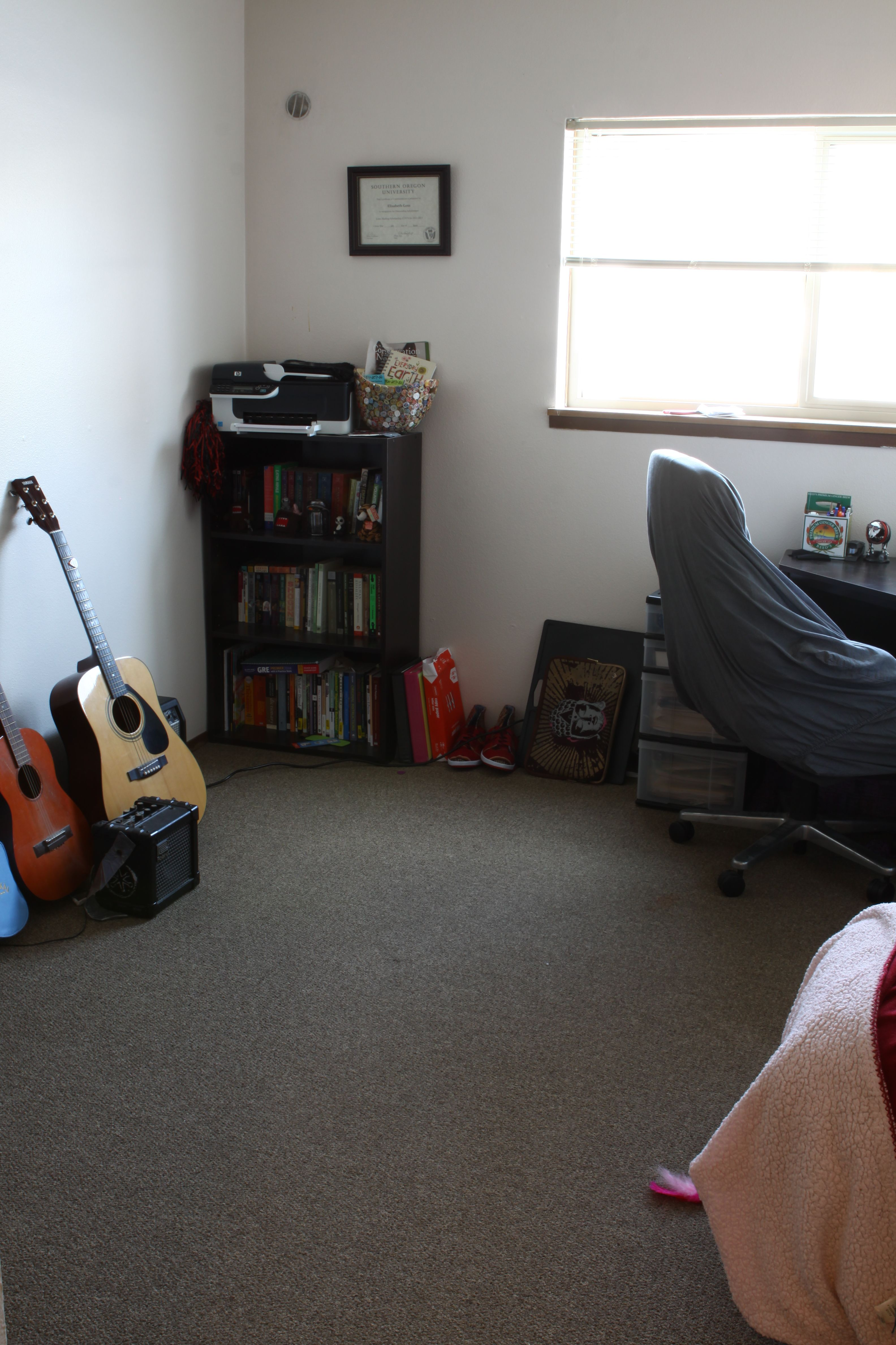 Quincy 2 Bedroom Flat Guest Room