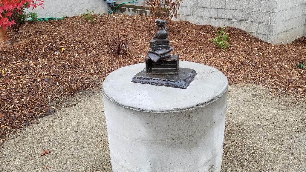 SOU Sculpture Small Pile