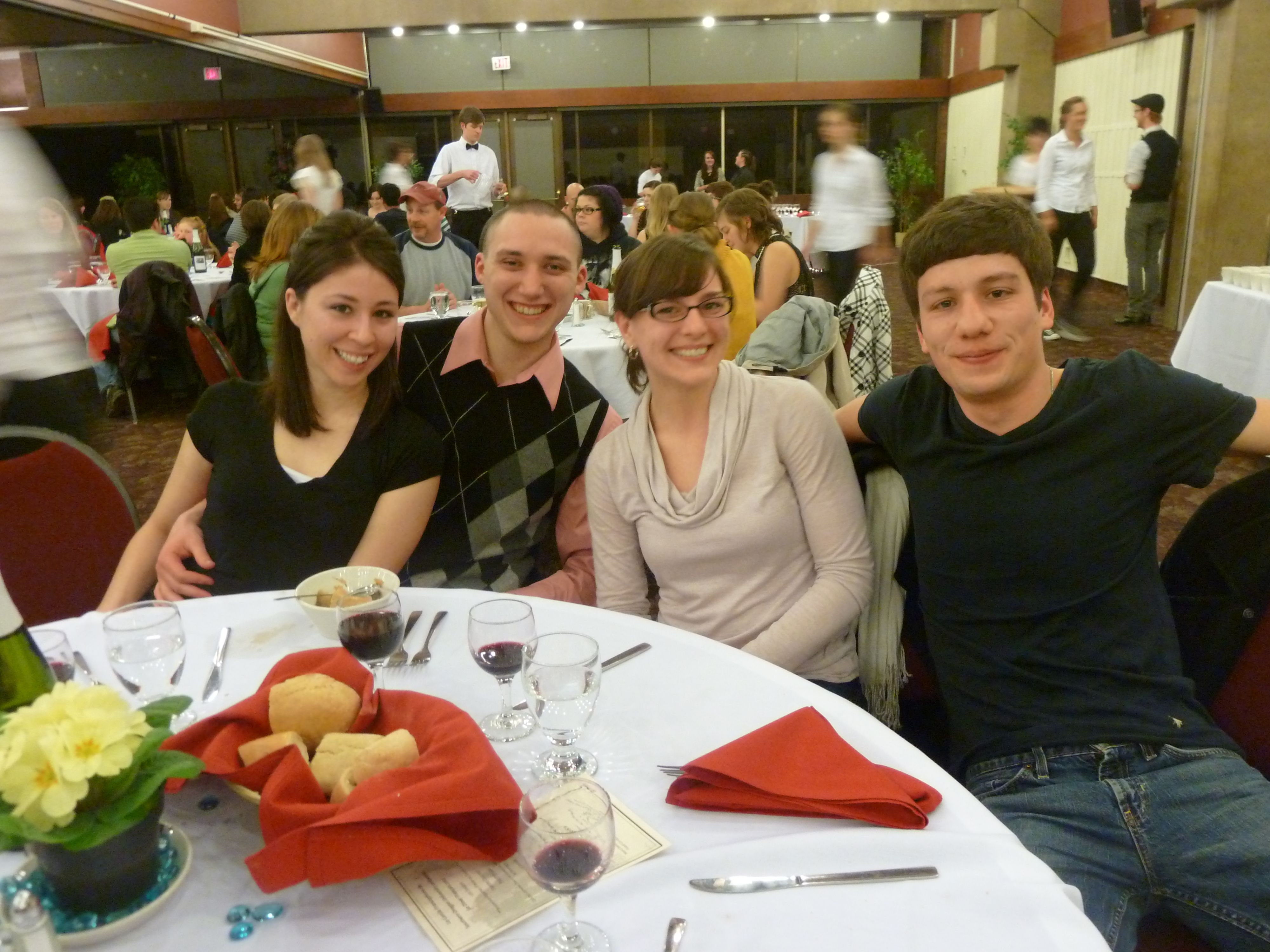 Picture of students at the French dinner